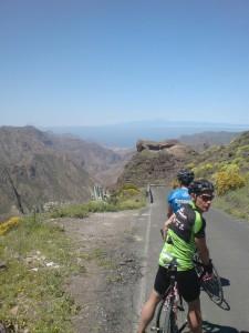 Nedfarten mot San Nicolas; Tejde i bakgrunnen